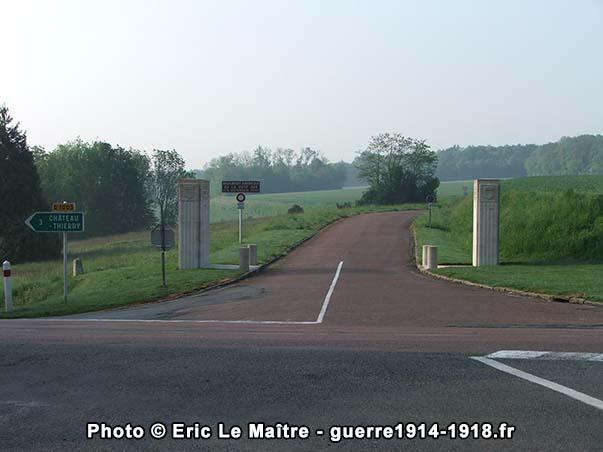 Entrée du Monument américain de la cote 204 au bord de la N3