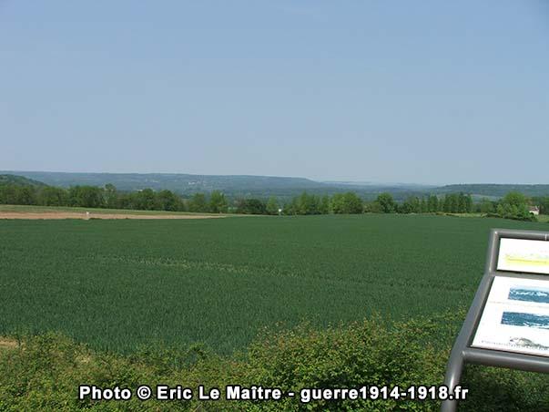 Un coup d'oeil vers Pargny-Filain