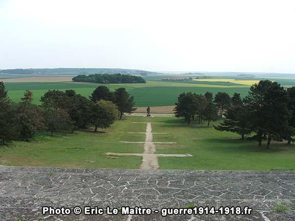 Panorama depuis les Fantômes du monument de la butte de Chalmont