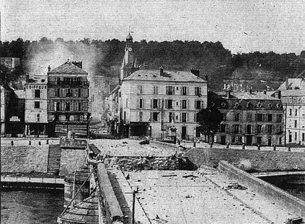 Pont sur la Marne à Château-Thierry détruit par le génie français