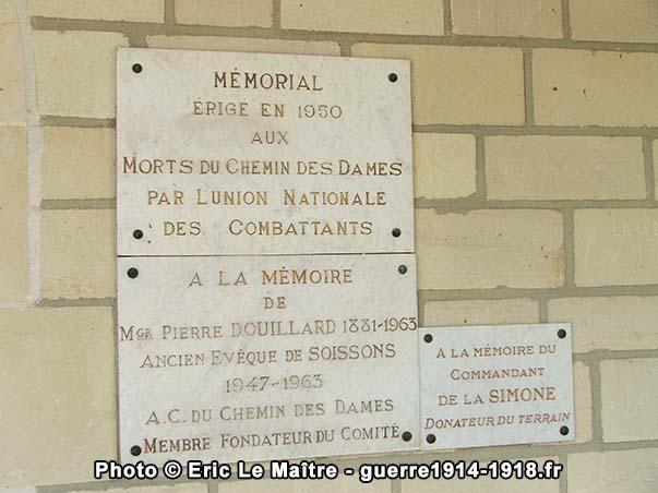 Plaques commémoratives dans le mémorial de cerny-en-Laonnois