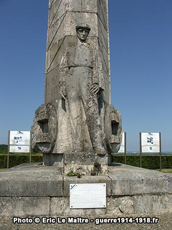 Le monument des Basques vu de face