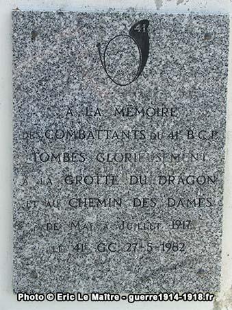 Plaque commémorative du monument du 41ème BCP à la caverne du Dragon