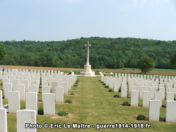 La croix du sacrifice du cimetière britannique de Vendresse-Beaulne