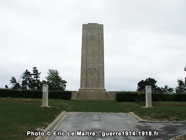 Le monument américain de Sommepy vu de face
