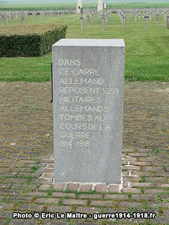 Bloc contenant le registre du cimetière militaire allemand d'Aubérive