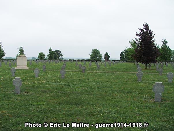 Vue depuis le haut du cimetière allemand
