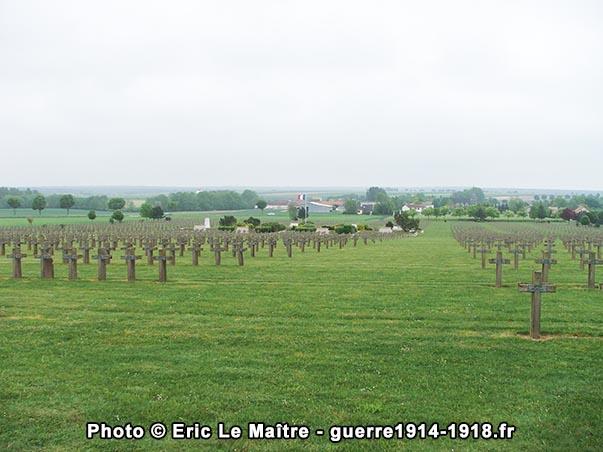 Vue de la nécropole de la Crouée depuis le haut du cimetière français