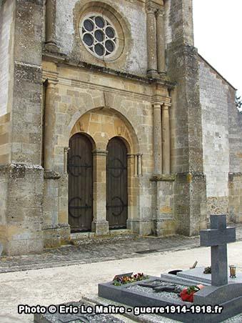 Le portail Ouest de l'église Saint-Martin de Sommepy-Tahure