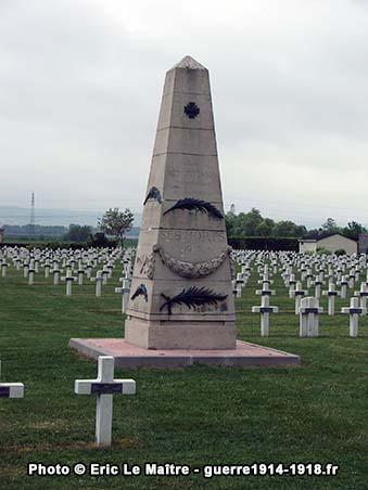 Obélisque érigé à la mémoire des soldats de la 97ème division d'infanterie territoriale