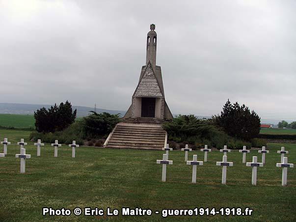 La chapelle-mausolée construite à la mémoire des soldats tués lors des batailles de Champagne