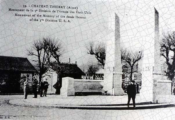 Carte postale de l'ancien monument de la 3ème Division américaine à Château-Thierry