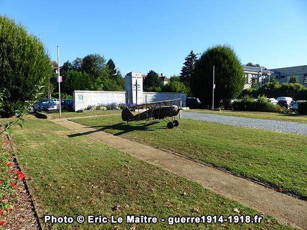 Une vue de 3/4 face du mémorial de la 3ème Division américaine à Château-Thierry