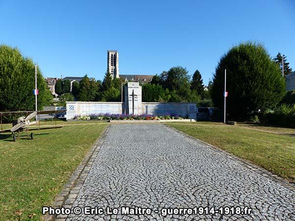 Autre vue de face du mémorial de la 3ème Division américaine à Château-Thierry
