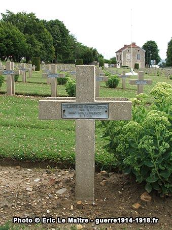 Tombe de Pierre Joseph Colardeau, du 146ème R.I., mort pour la France le 6 juillet 1918