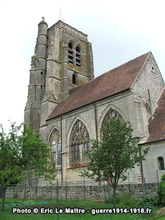 La tour carrée vue côté rue du Moutier