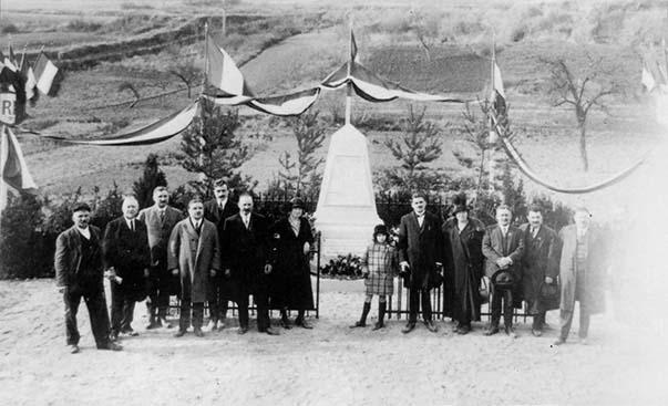 Le monument des fusillés de Vingré après-guerre