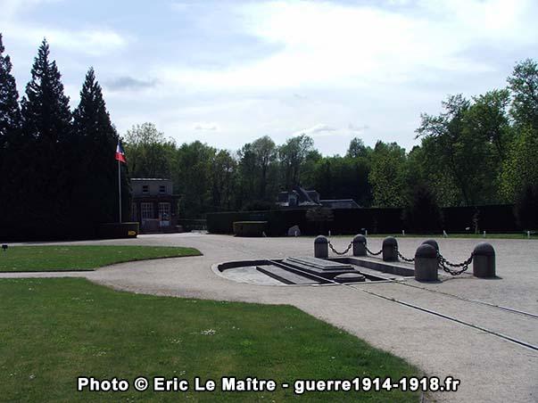 L'emplacement du wagon dans lequel fut signé l'Armistice du 11 novembre 1918 à Compiègne