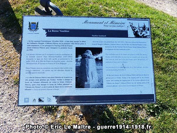 Pupitre historique de la borne Vauthier de Château-Thierry