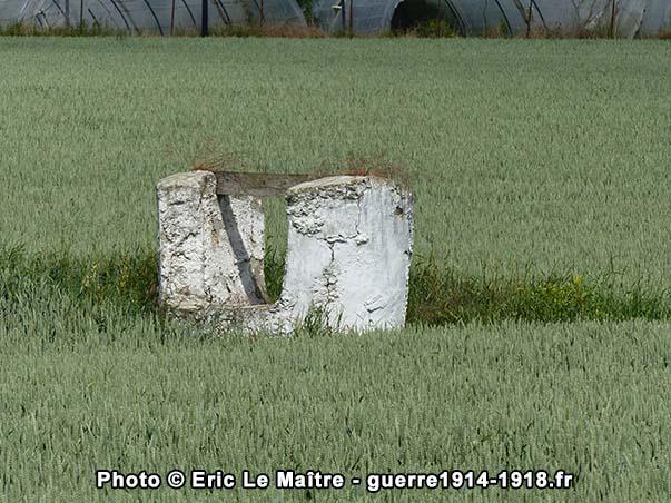 Gros plan du puits de Puisieux à Villeroy