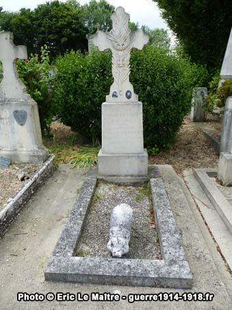 Léon Tétard (1892-1915), mort pour la France, tombe dans le cimetière d'Iverny (77)
