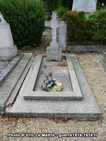 Sépulture de Lucien Gobert à Yverny, mort au champ d'honneur le 21 juillet 1918 à l'âge de 19 ans