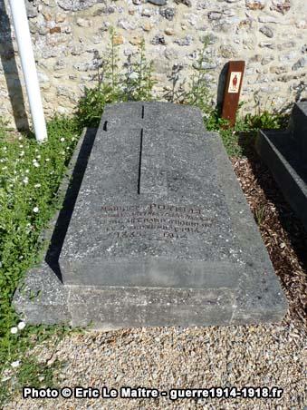 Sépulture du lieutenant Maurice Poyelle au cimetière communal de Chauconin-Neufmontiers