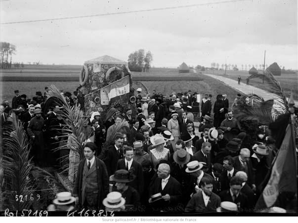 Photographie ancienne prise le 8 septembre 1918, à l'occasion de l'anniversaire de la bataille de la Marne