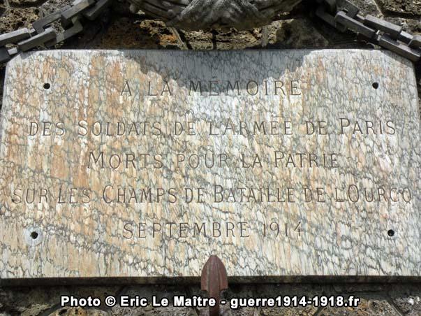 La Plaque commémorative du monument des Quatre-Routes à Chambry (Seine-et-Marne) - A la mémoire des soldats morts pour la patrie en septembre 1914