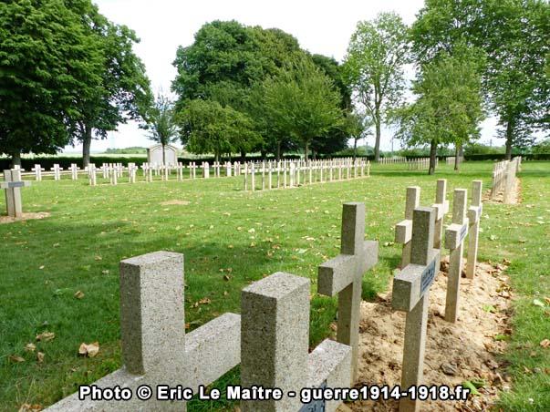 Des tombes de soldats français dans la nécropole nationale de Chambry