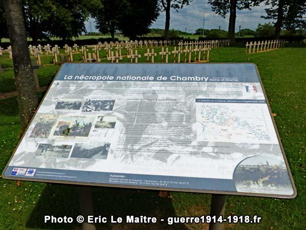 Pupitre touristique du cimetière militaire français de Chambry