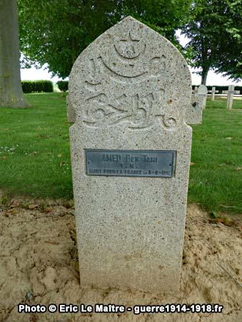 Tombe du tirailleur marocain Amed Ben Tami mort pour la France le 5 septembre 1914