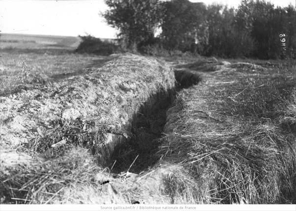 Une tranchée à Chambry en septembre 1914
