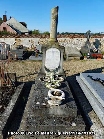 Tombe du lieutenant André Arrighi mort au champ d'honneur à Chambry le 6 septembre 1914