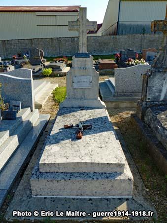Tombe du lieutenant Henri Nanta au cimetière communal de Chambry