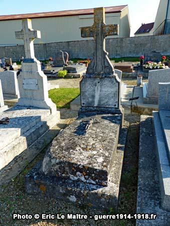 Tombe du lieutenant Charles Benoit, tué à Chambry le 8 septembre 1914